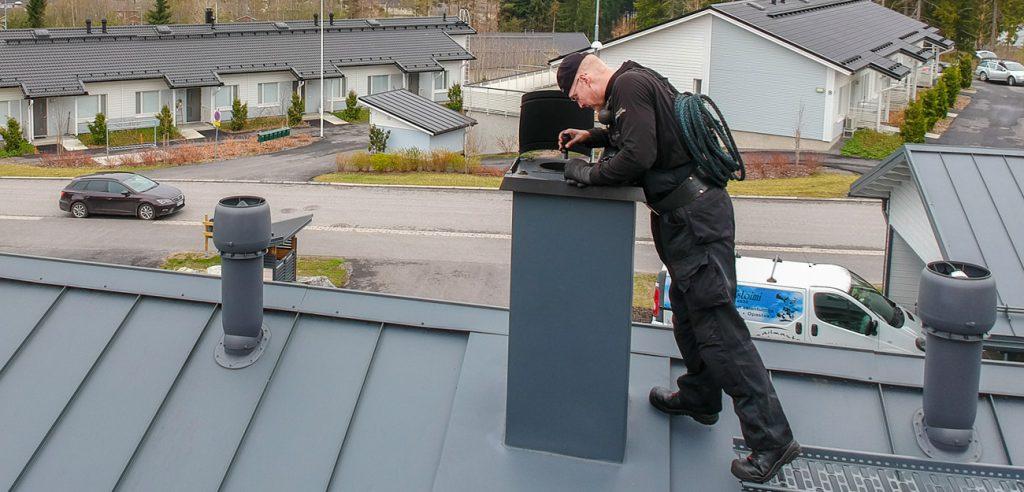 Nuohooja katolla | Mikkelin Nuohoustoimi