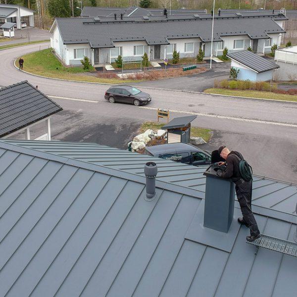 Nuohooja katolla 2 | Mikkelin Nuohoustoimi